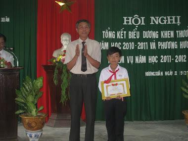 Xã khen thưởng học sinh giỏi Quốc gia