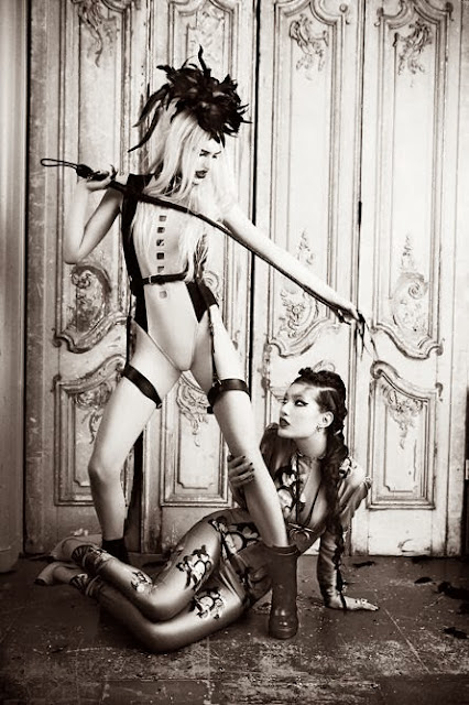 Fetish Inspirations : Ellen von Unwerth Photographer