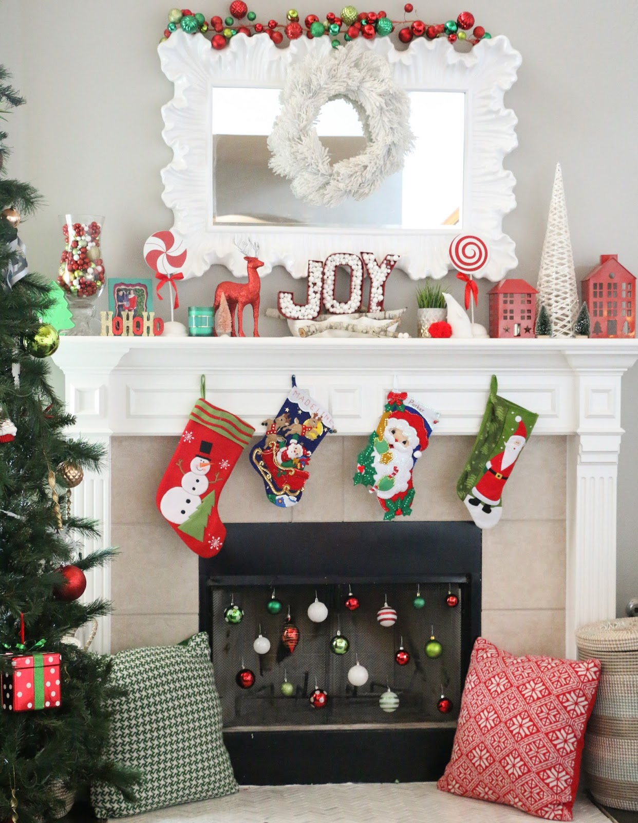 Christmas Home Tour Part 19 - The Living Room and Kitchen - A Kailo ...