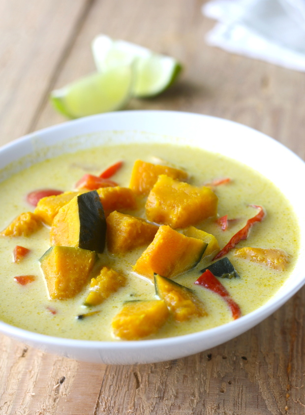 Thai coconut soup with kabocha squash recipe by SeasonWithSpice.com