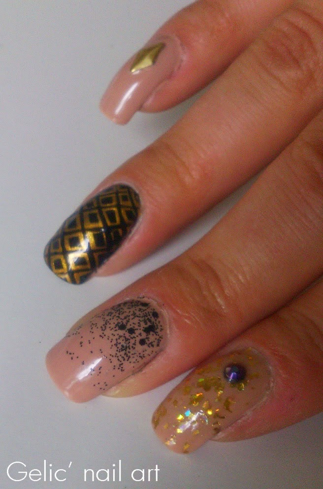 http://gelicnailart.blogspot.de/2014/08/nude-black-and-gold-skittlette.html