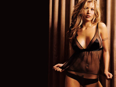 Willa Ford in Bikini Wallpaper