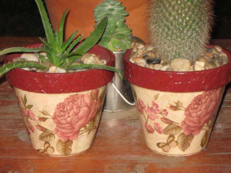 recetas plantas y reflexiones: macetas de barro decoradas