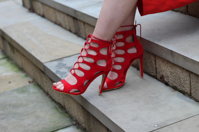red ego heels fashion blogger