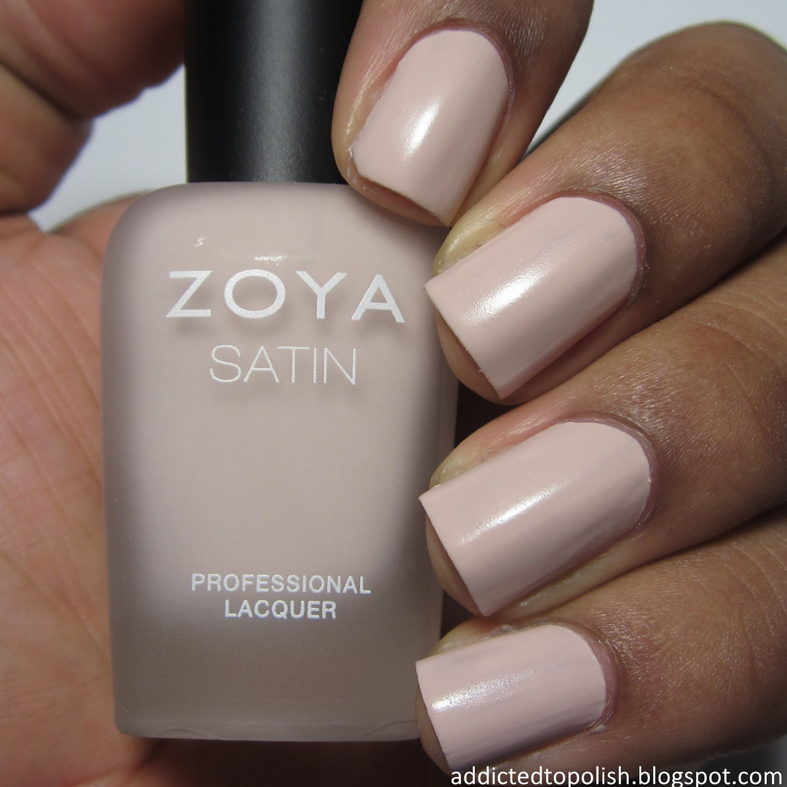 Zoya Ana Swatch Addicted to Polish