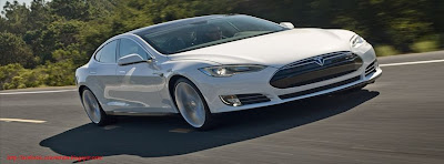 Couverture facebook Tesla Model S 2013