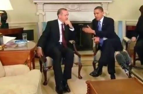 """بالفيديو:شاهد ماذا فعل """"أردوغان"""" بعد أن وضع """"أوباما"""" قدماً على قدم ؟!"""
