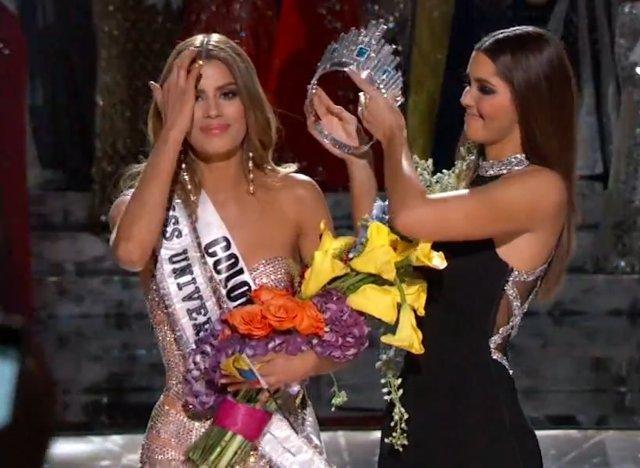 Miss Univers 2015: L'animateur fait une bourde en annonçant la mauvaise gagnante