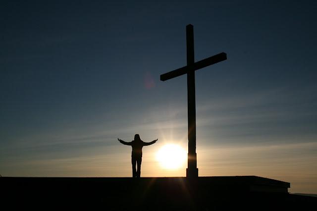 Meyakinkan Kehadiran Tuhan dalam Hidup ini