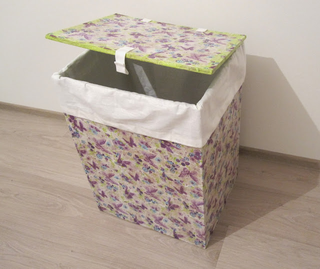 Ящик для грязного белья из картона