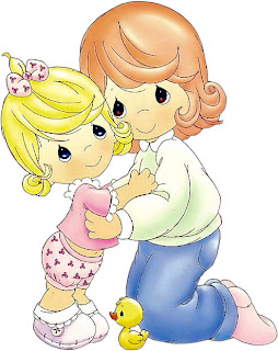 Hija abrazando a su mama para imprimir