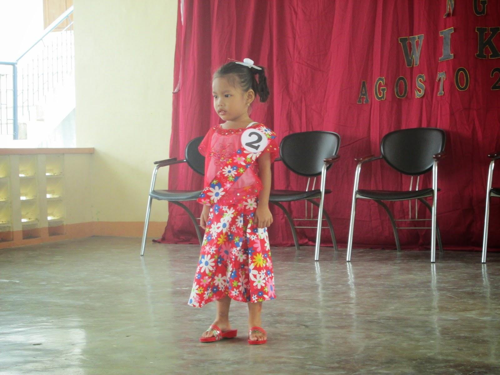 """<img src=""""kimona.gif"""" alt="""" Linggo ng wika costumes"""" />"""