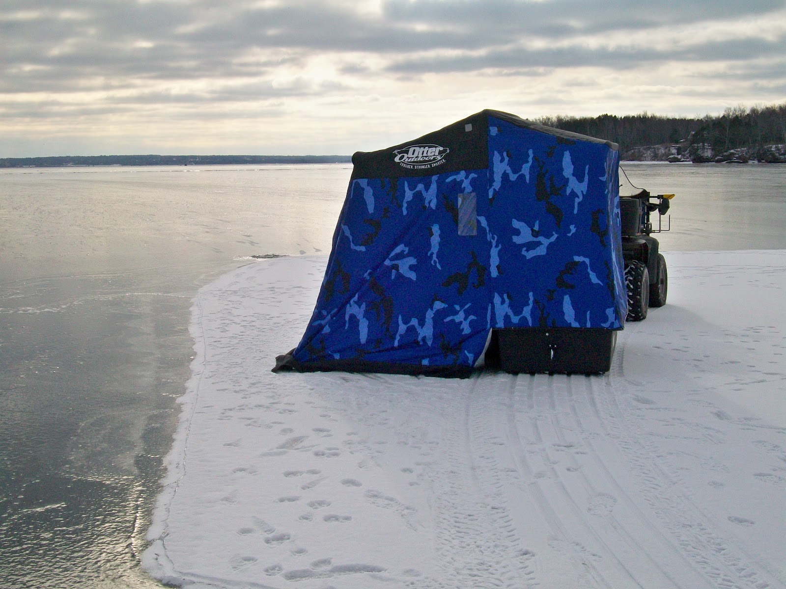 Marksman guide service for Otter ice fishing