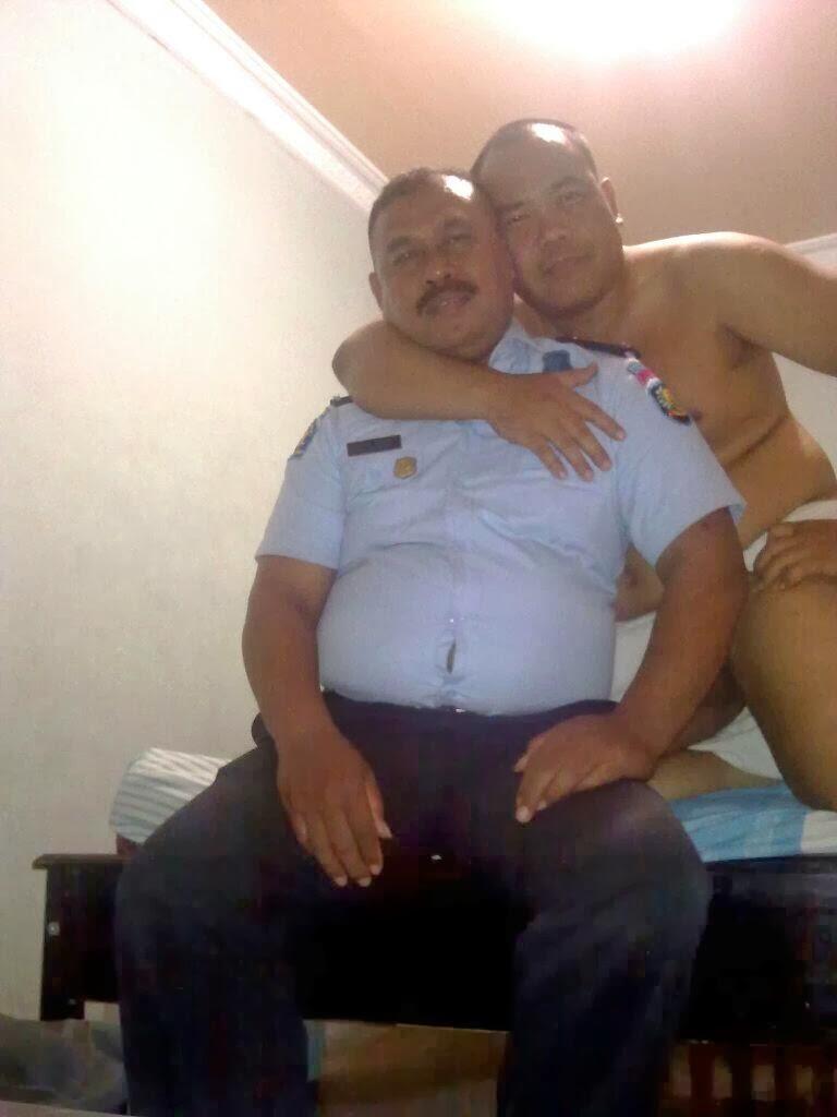 video gay indonesia bapak berkumis siap ngentot om gendut