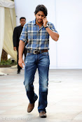 Naga Chaitanya new handsome photos stills-thumbnail-7