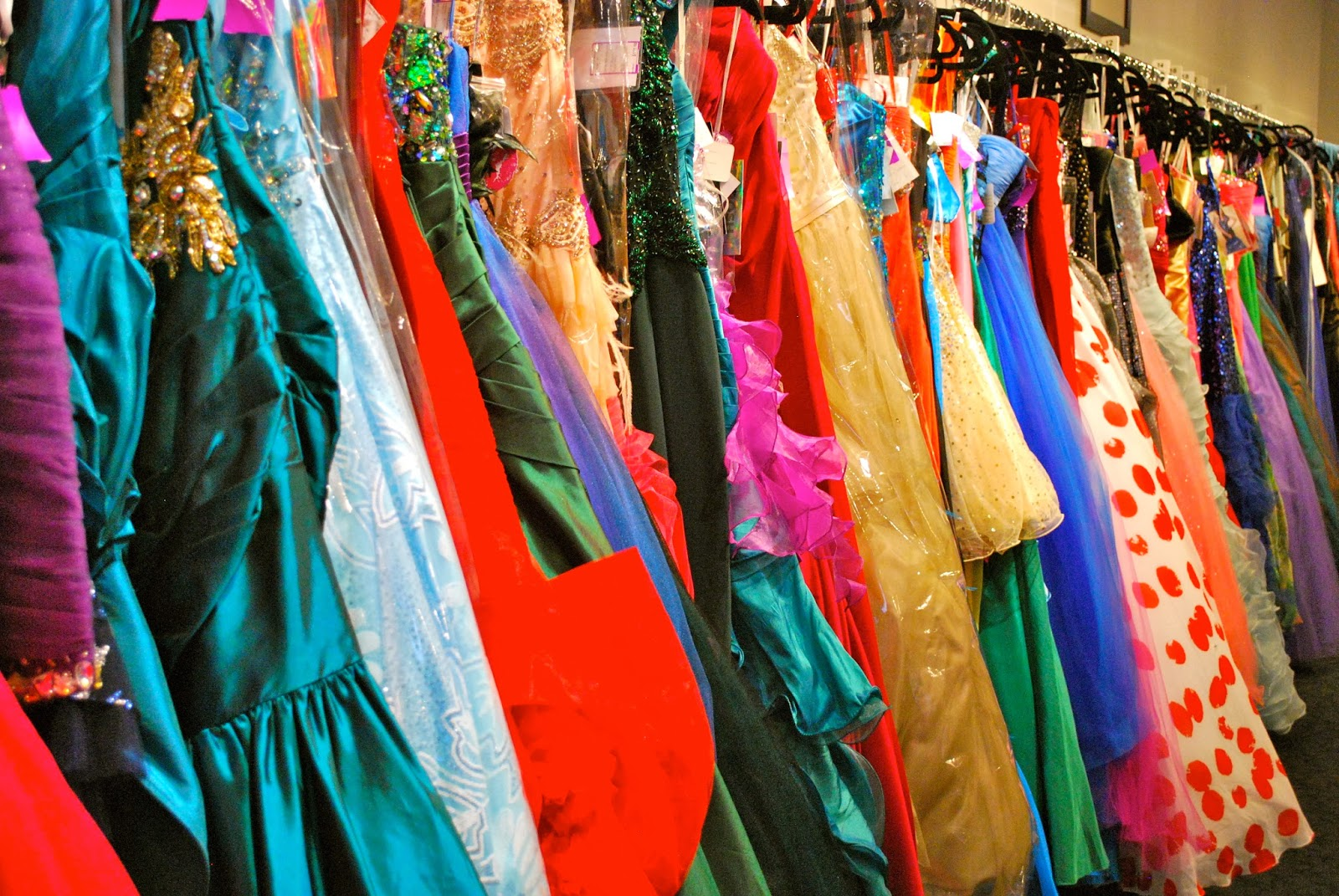 Find Your Prom, Formal, or Bridal Luxury Look for Less at Le Dress ...
