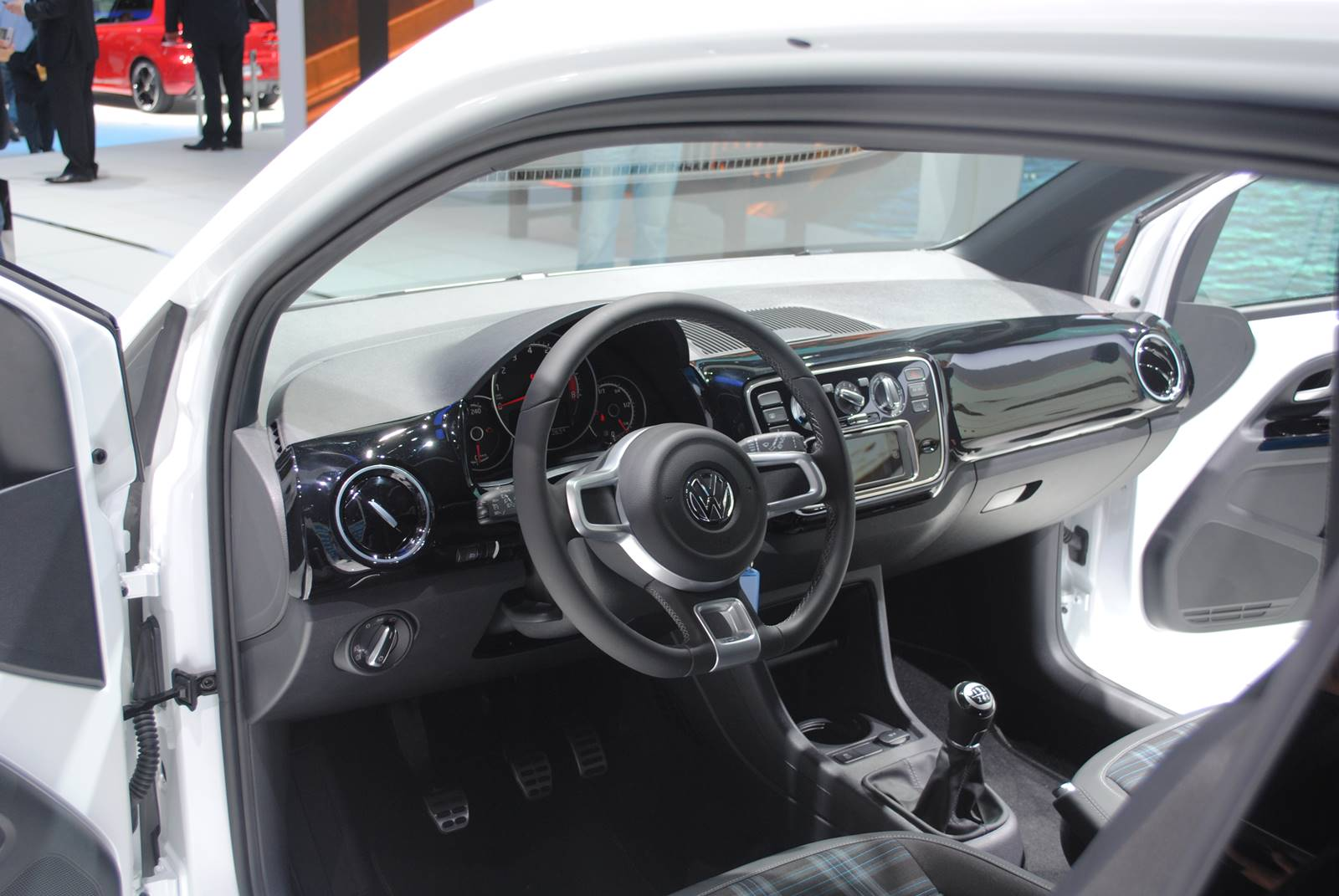 Volkswagen up! Turbo - interior