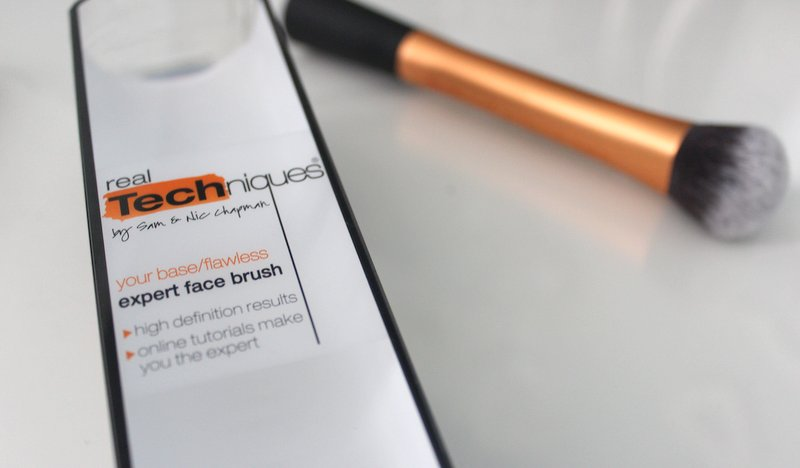 Real Techniques Expert Face Brush Blog Review