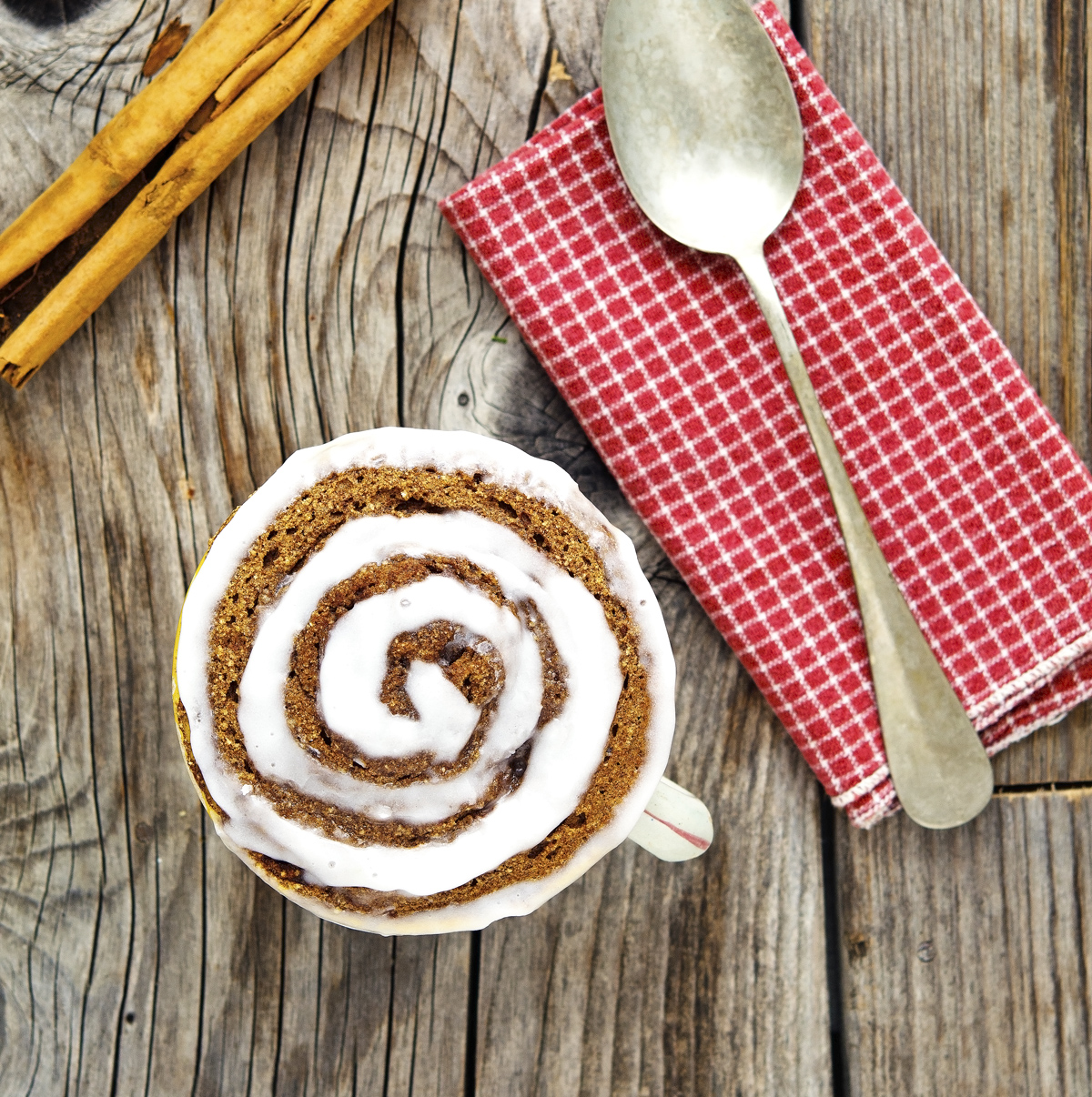 (Paleo) Cinnamon Roll In A Mug