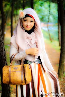 Gadis Hijaber Cantik