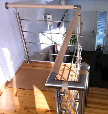 Gelænder i ASK og rustfrit stål, indendørs