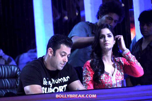 Salman Khan, Katrina Kaif - Salman & Katrina on the sets of 'Jhalak Dikhhla Jaa 5'