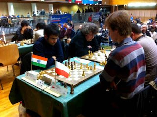 Ronde 7 - Le Polonais Jacek Tomczak (2555) s'incline face au jeune GMI indien Parimarjan Negi (2639)- Photo © Chess & Strategy