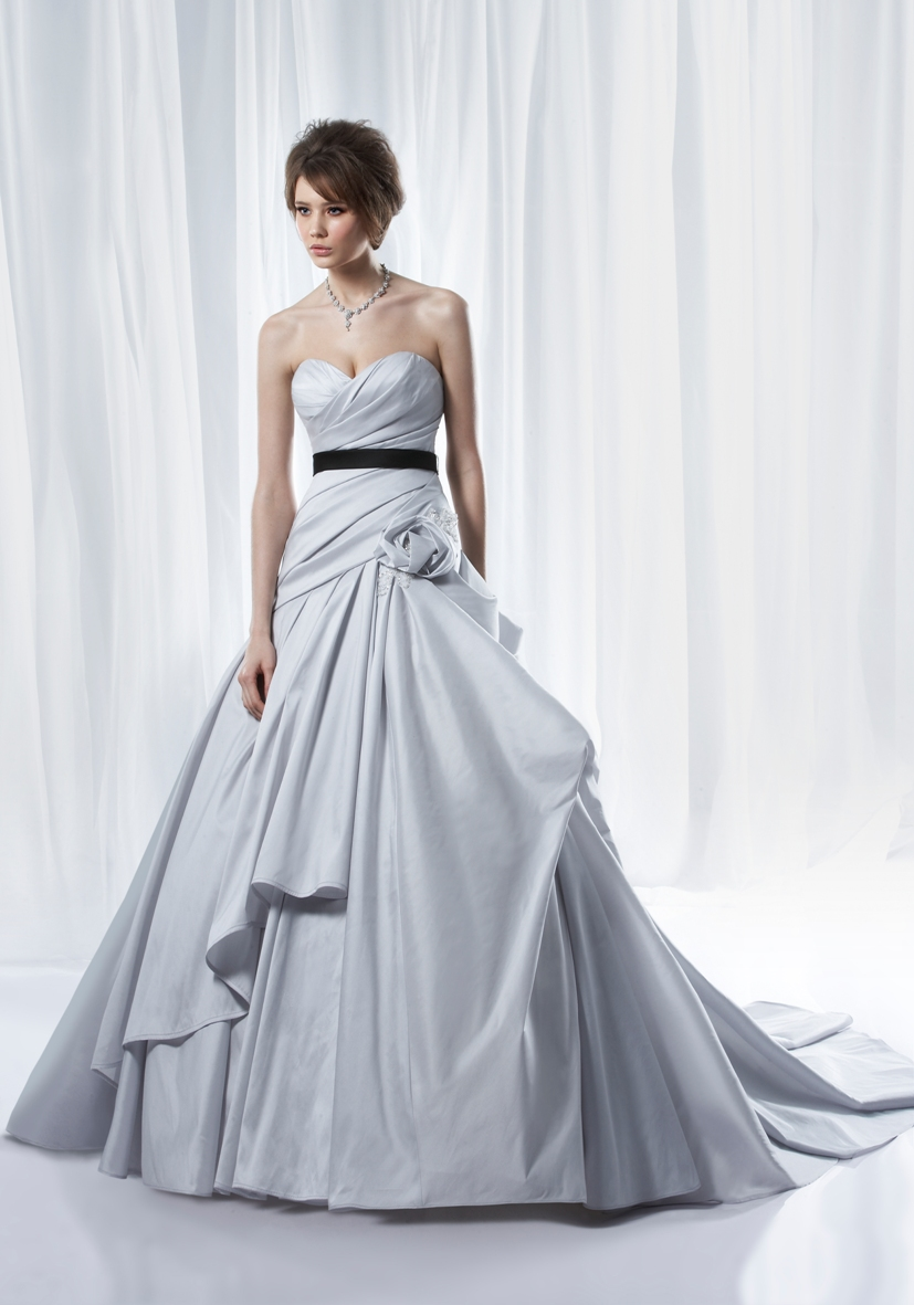 Cheap Bridal Dresses Online: February 2012