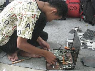 ebook memperbaiki laptop komputer rusak