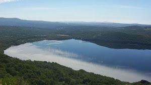 Lago de valencia (lamentablemente contaminado)