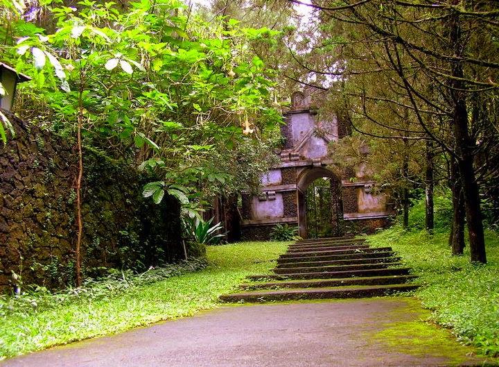 Paket Wisata Jogja - Uln Sentalu, Kaliurang