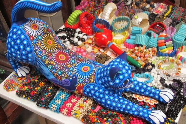 Armario Nilko ~ UM PÉ NA ESTRADA E OUTRO NA COZINHA San Miguel de Allende u2013 México com a cara do México!