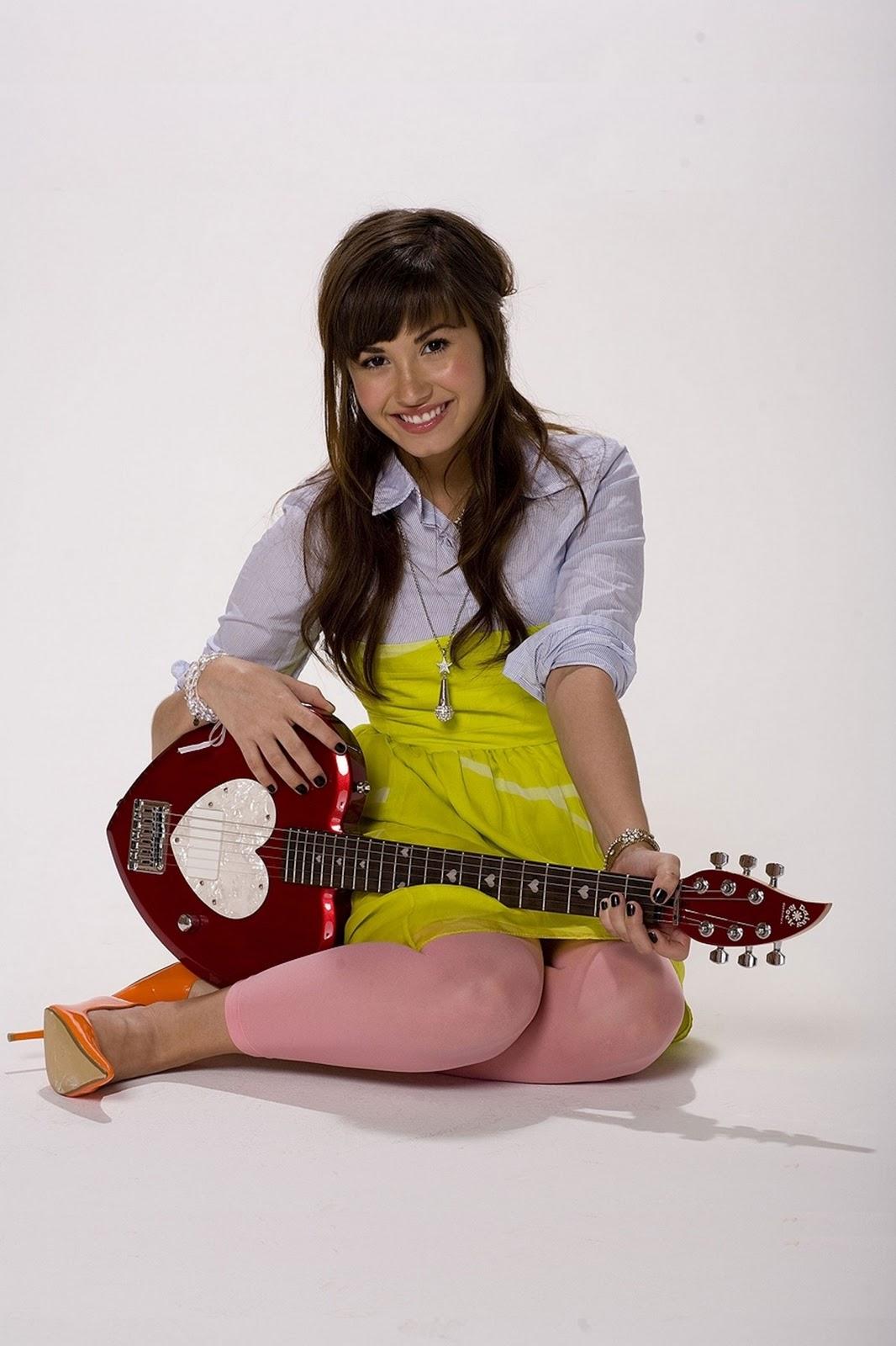 http://3.bp.blogspot.com/-RpoxqA2stjQ/TpXMdpdPoVI/AAAAAAAABao/gi2Y0o7cFEU/s1600/Demi+Lovato016903062.jpg