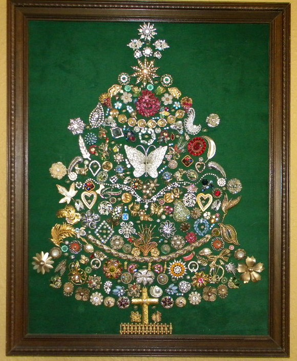Ms Bingles Vintage Christmas Fabulous Jewelry Tree Picture