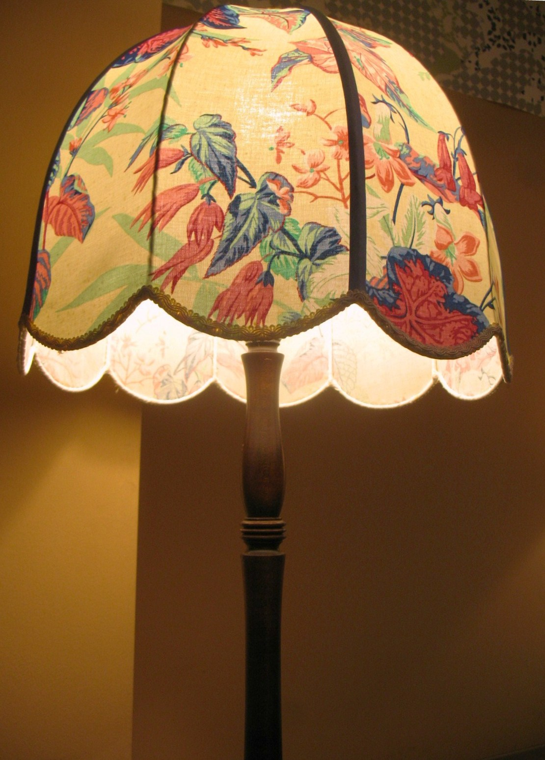 Vintage wednesday vintage lampshades the mozeypictures Gallery