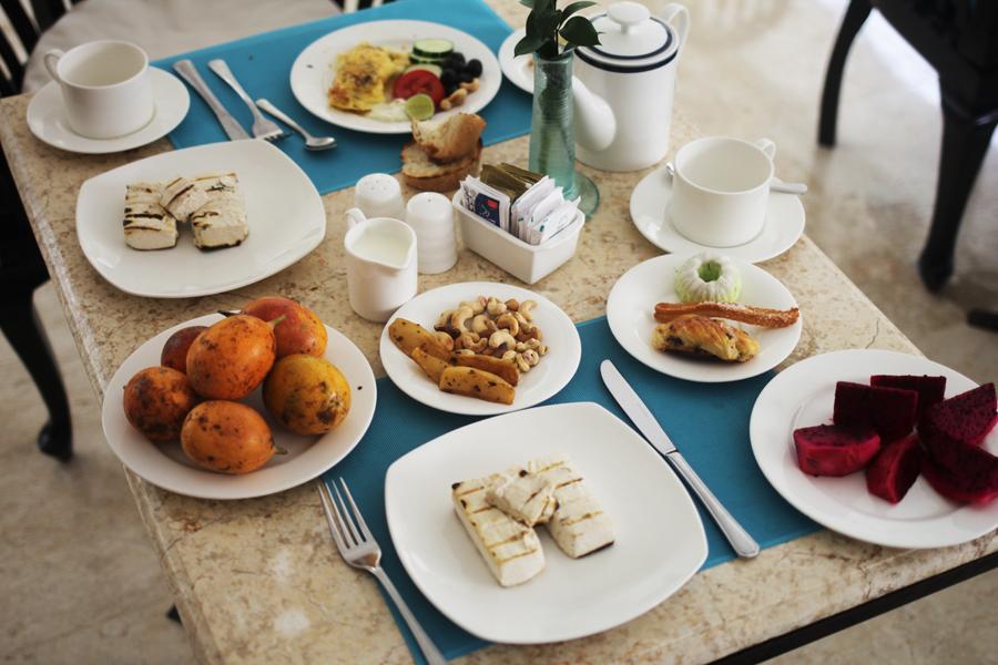 dragonfruit food eating abroad