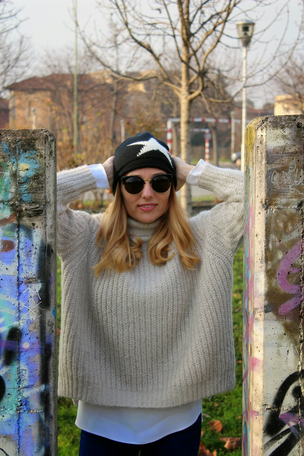 Eniwhere Fashion - maxi sweater and beanie
