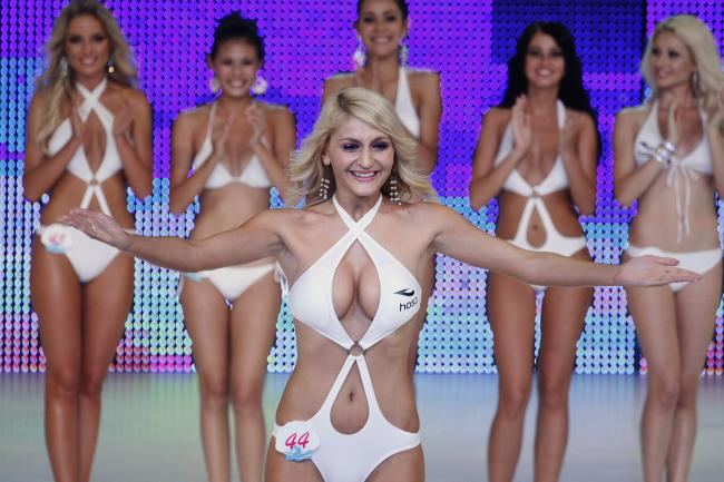 Barbi twins nude video