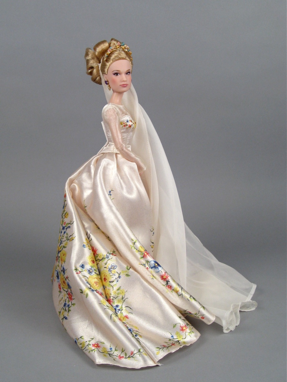 Disney Store's wedding Cinderella doll