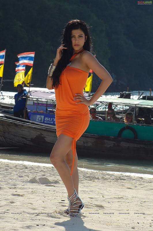 Sruthi Hassan Hot Pics in Orange Dress1 -  Sruthi Hassan Hottest Pics in Orange Dress at Beach
