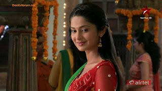 Kumud smiled seeing him.