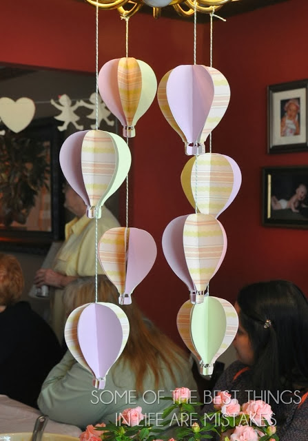 http://bestlifemistake.blogspot.com/2013/04/baby-shower-decorations.html