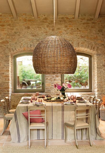 mesa de jantar de casa de fazenda