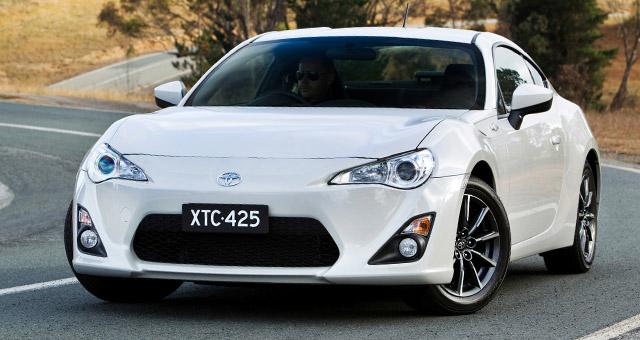 Otomotif: Perbedaan Spesifikasi Subaru BRZ Dan Toyota 86
