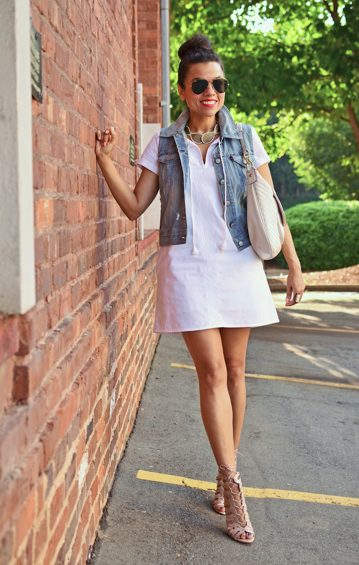WHITE DRESS WITH DENIM VEST