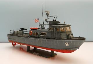 maqueta de plástico de barco a escala 1:48