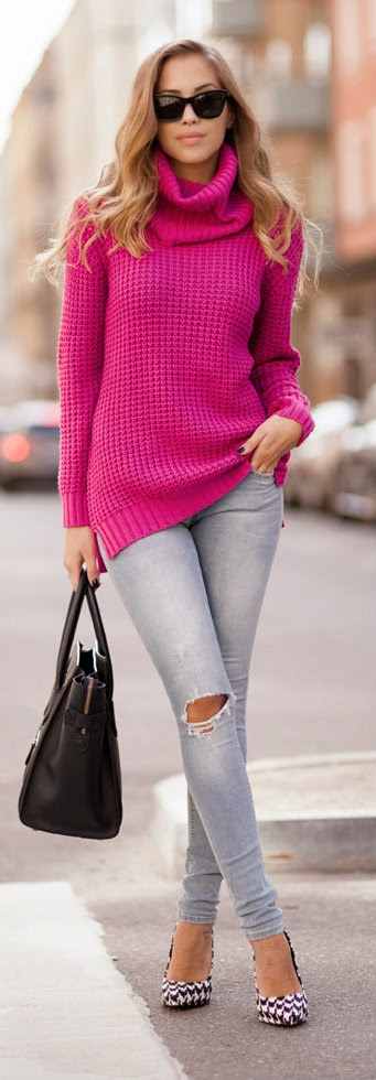 Cerise knitted sweater is perfect! / Awe Fashion for Fall and Winter Street Style Inspiration