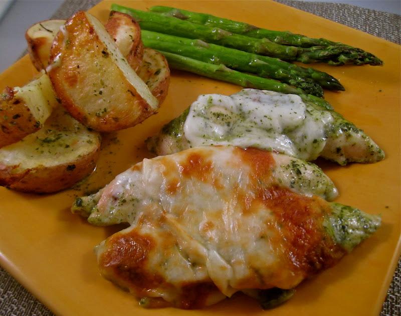 chicken pesto and cheese yum pollo queso y pesto