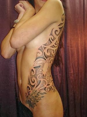 Tatuagens Femininas Maori na Costela