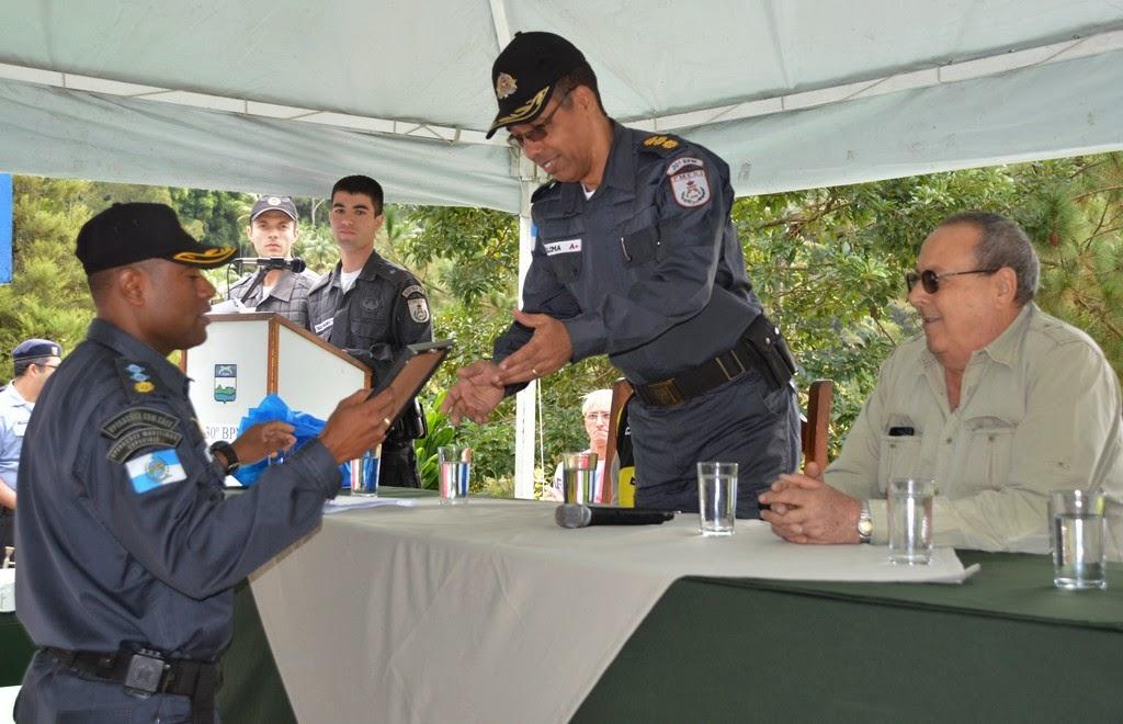 Durante a solenidade, o comandante Lima foi homenageado pela sua promoção a coronel